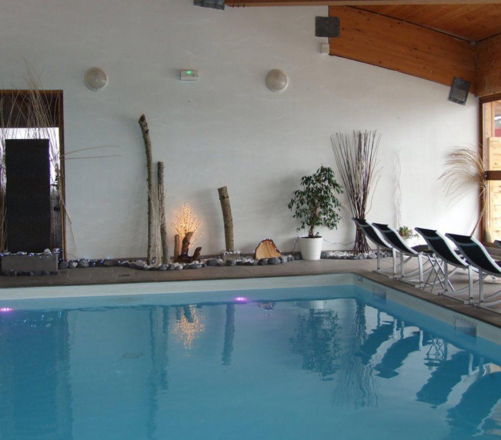 spa-chamrousse-flocons-piscine-bain-vue-montagne-decor-principal 00036